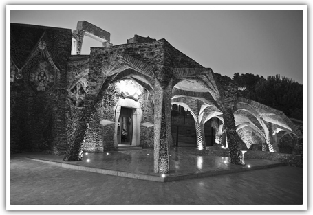 Colonia Guell's crypt